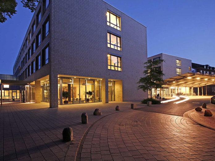 Eine der besten Kliniken Deutschlands für Hüftersatz: Die Schön Klinik in Hamburg Eilbek